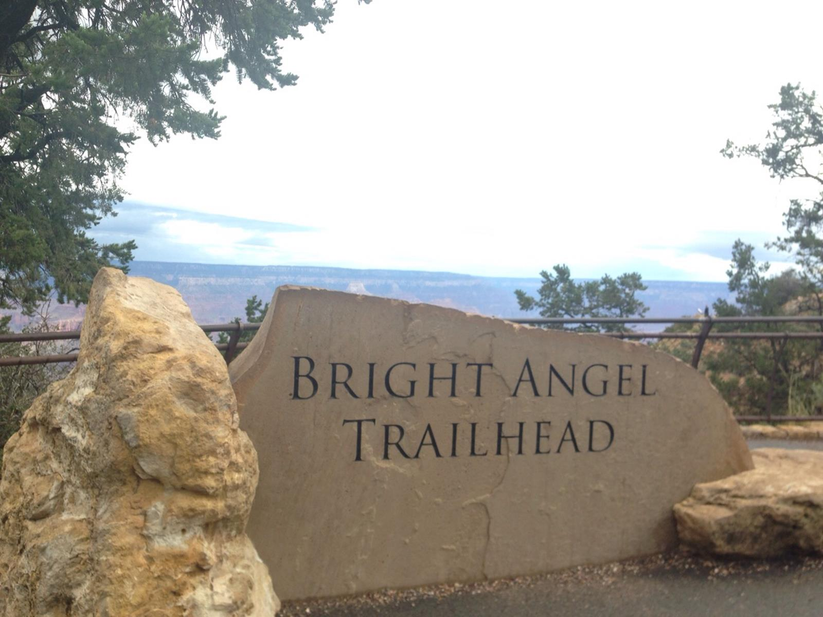 Hier gehts los zum Bright Angle Trail