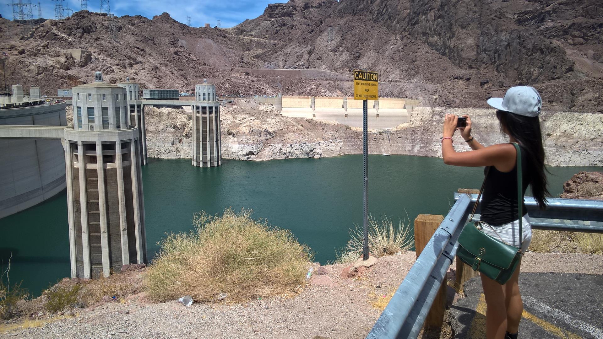 Wasser ist noch da, allerdings ist der Pegel schon gut zurück gegangen
