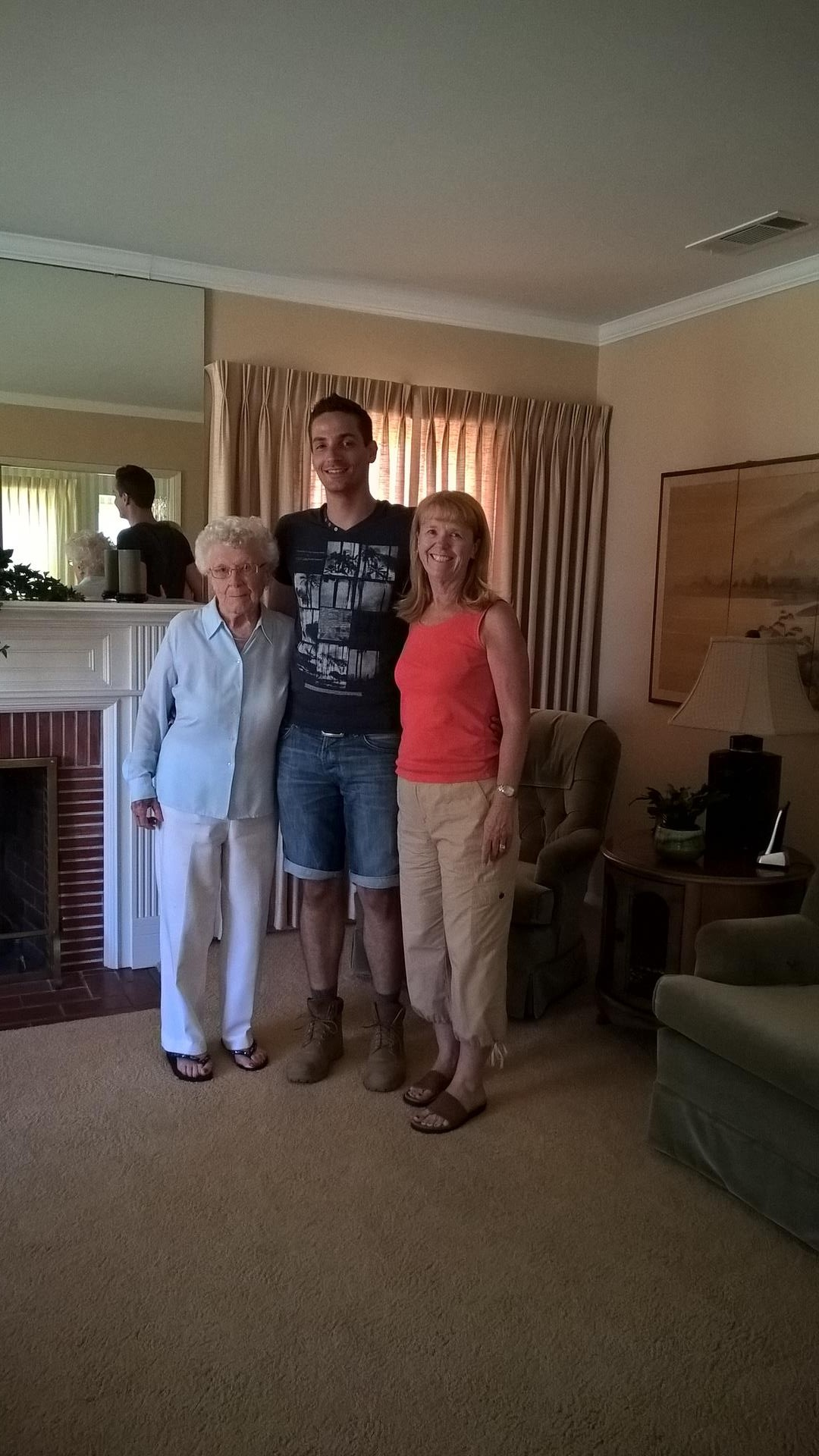 Der grße Deutsche mit Nancy und Nancys Mutter