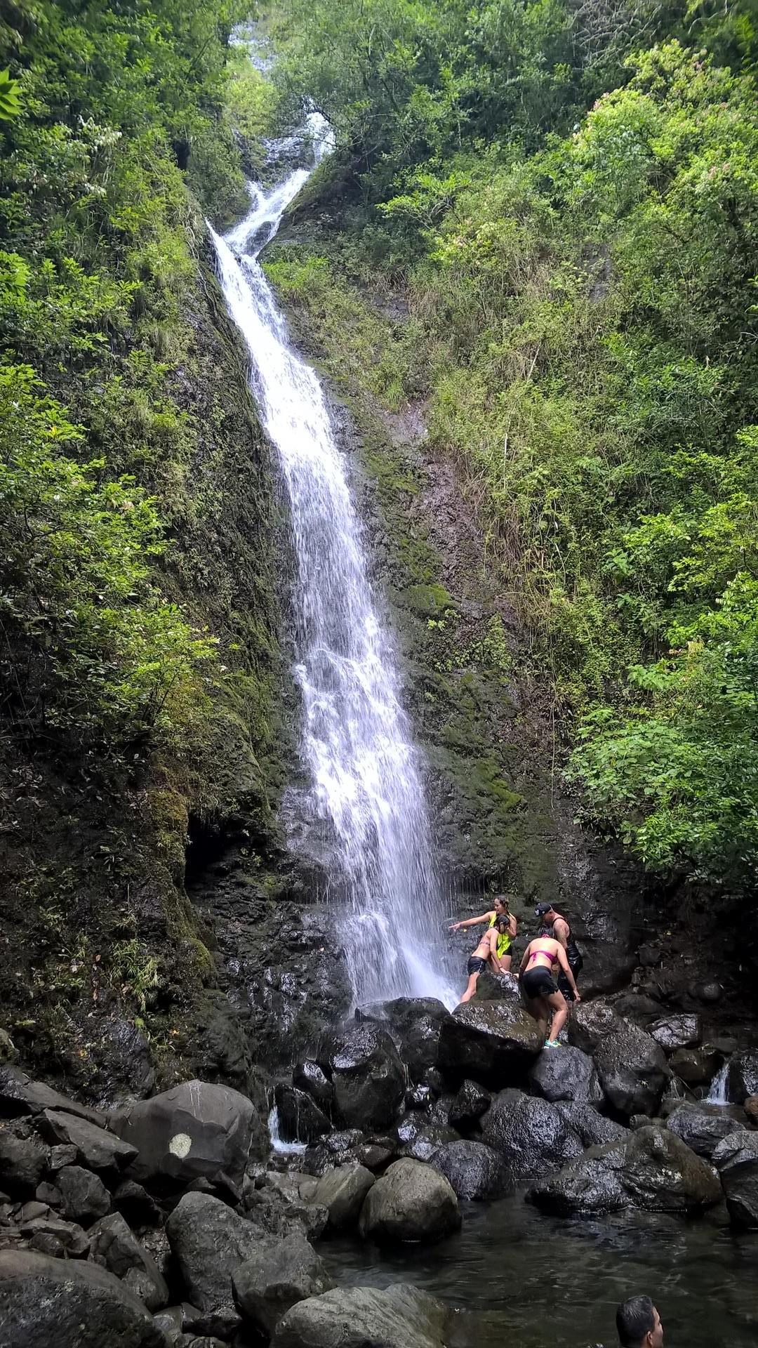 ... ging es zum Wasserfall