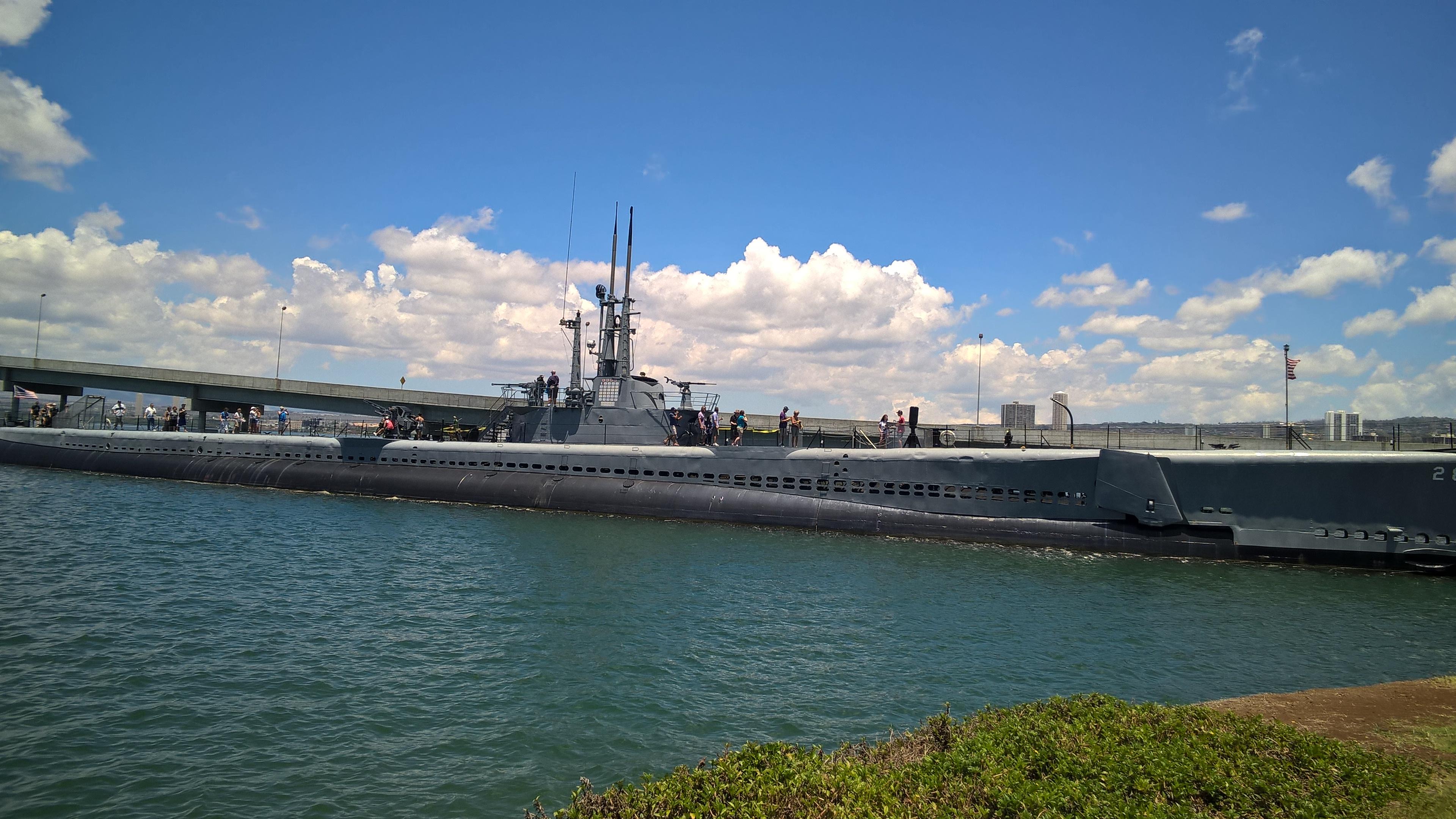 Es gibt mehrere Boote zu besichtigen: Hier das U-Boot USS Bowfin