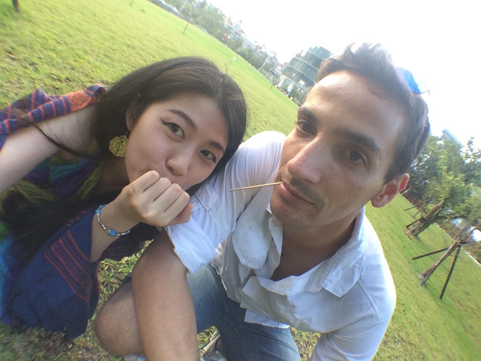 Und jetzt mal ganz cool: Zoe und ich beim Picknick