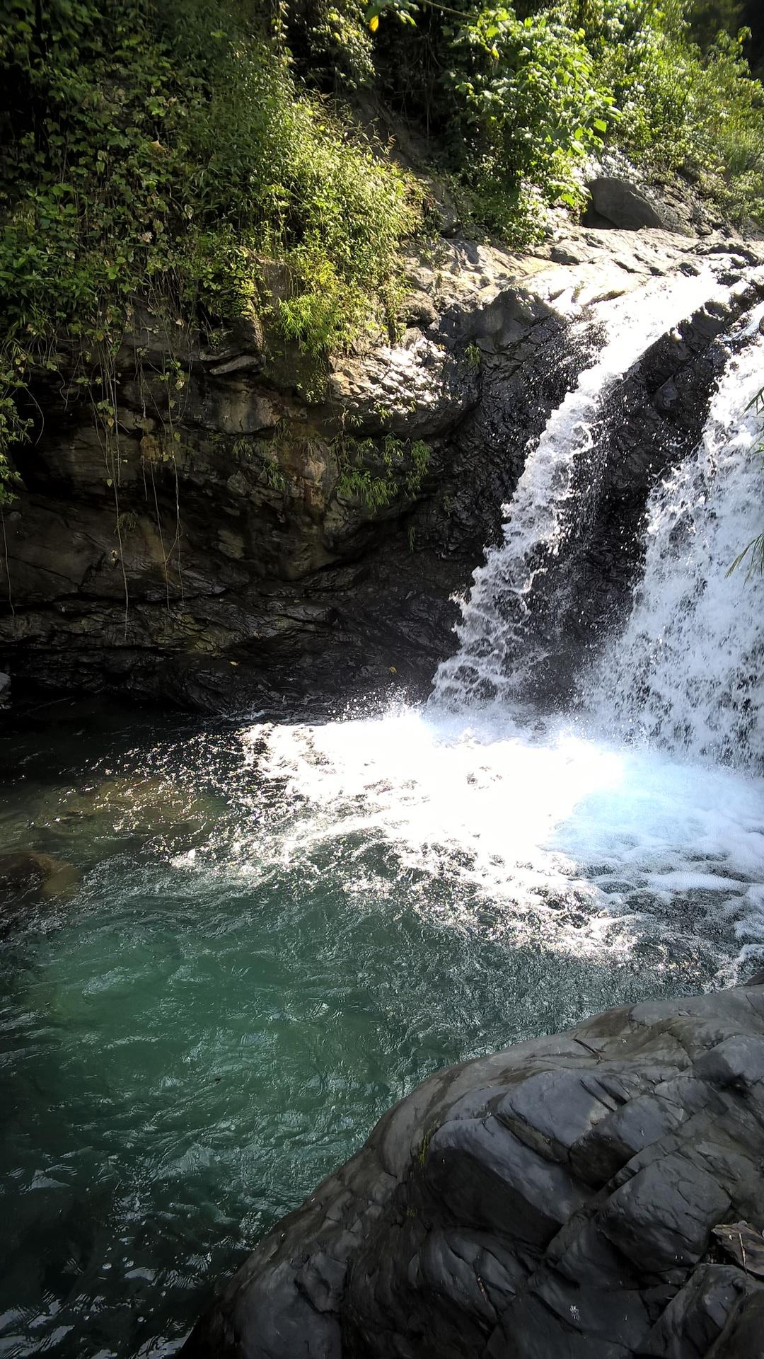 ... sehr schönen Wasserfall, wobei man dort...