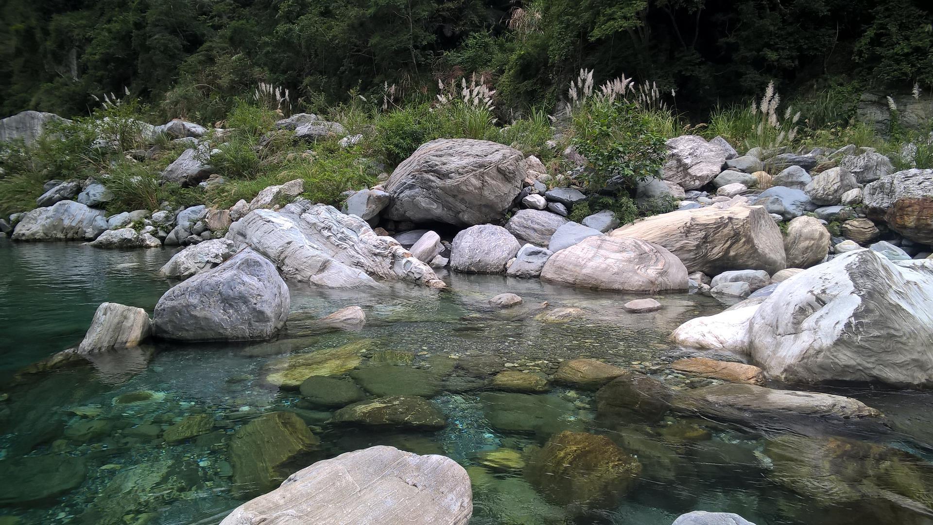 Am Fluss im Mukumugi...