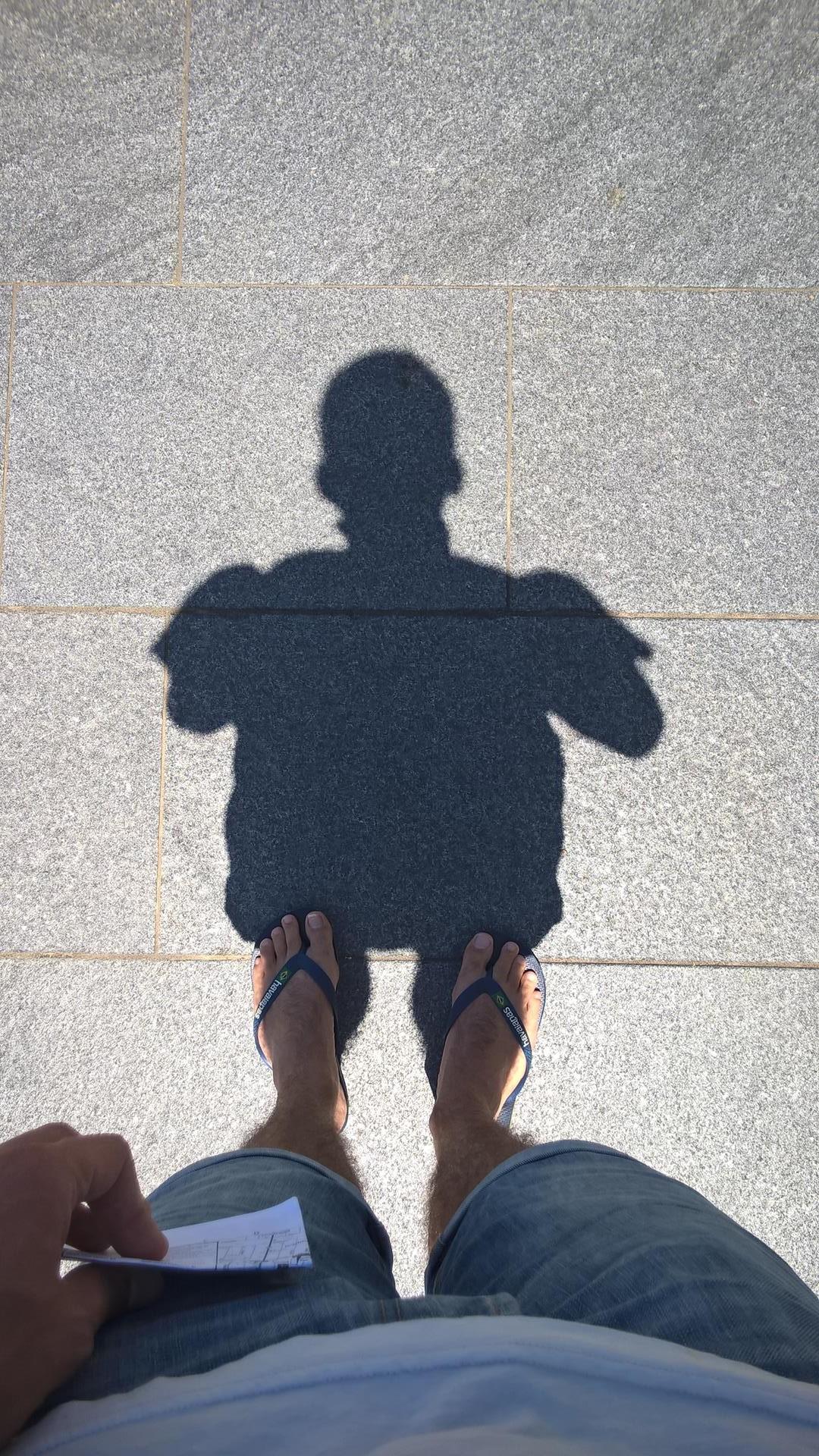 Nicht sehr weit weg von der Sonne: Der Schatten ist wieder ziemlich kurz