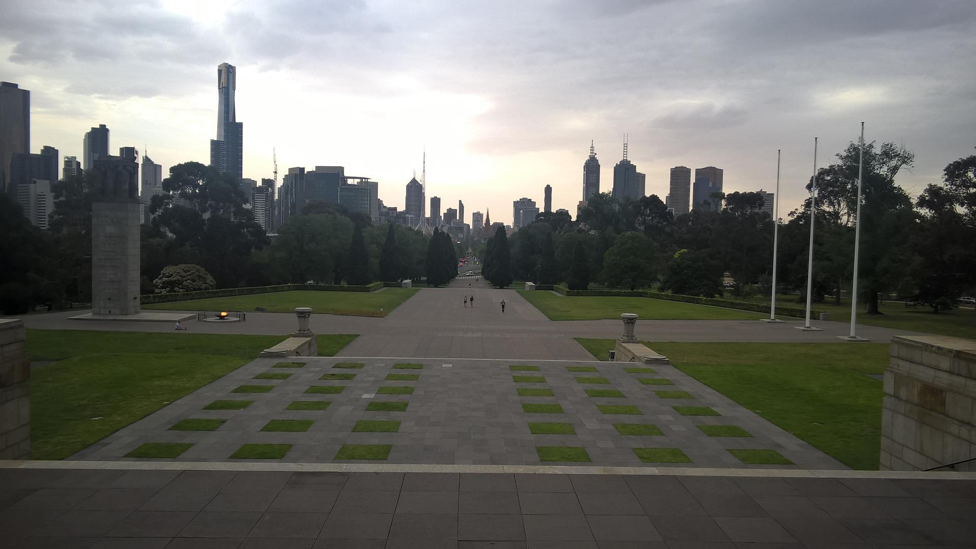 Blick vom Shrine of Remembrance zur Stadt