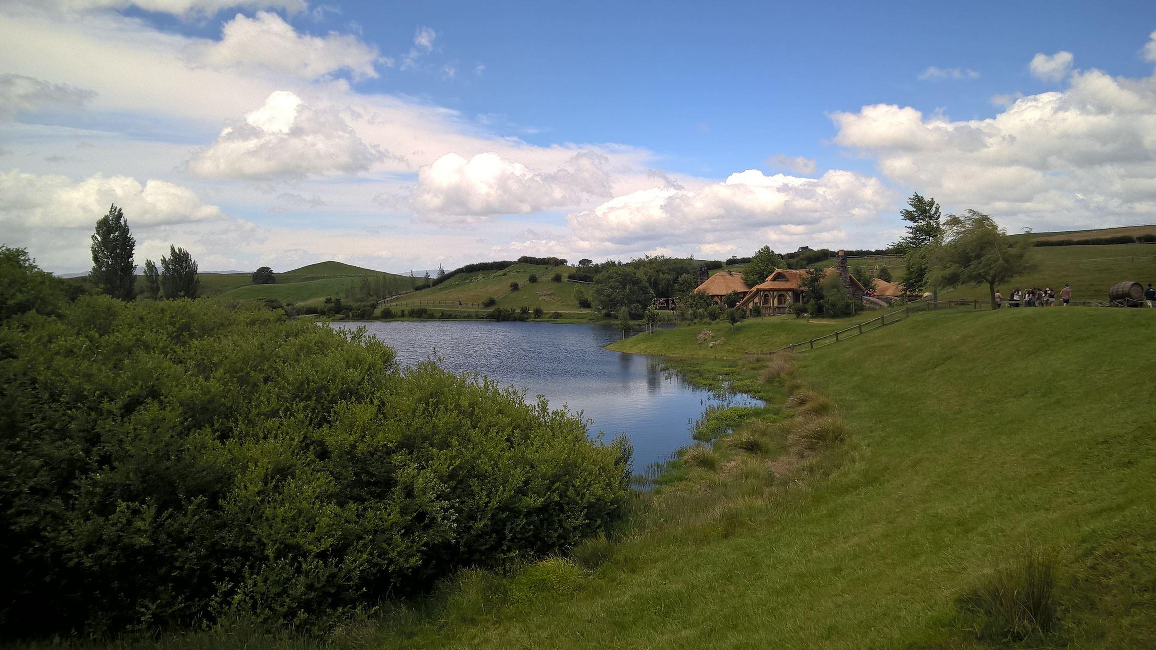 Das Ziel der Tour liegt jenseits dieser Mühle: Der grüne Drache