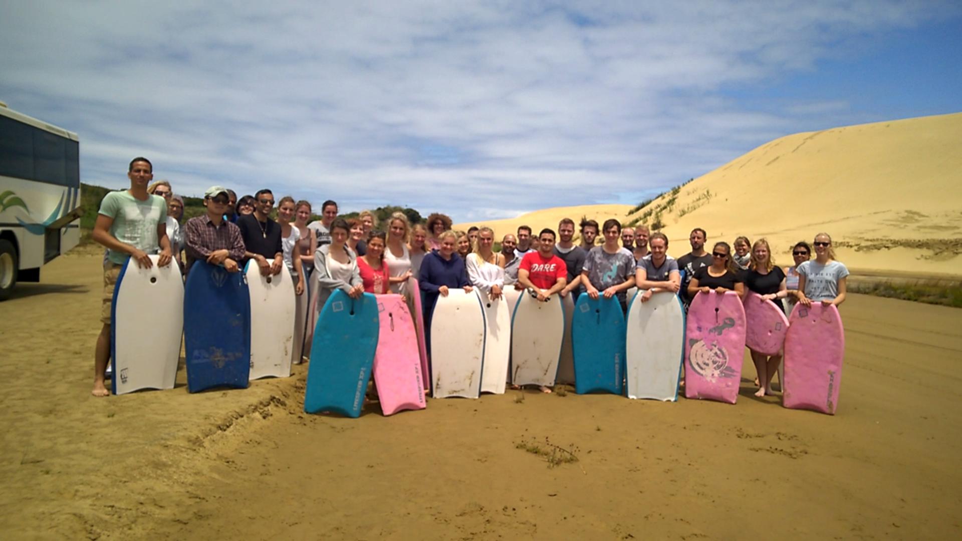 Mit einer richtig coolen Truppe ging es zum Sandboarden