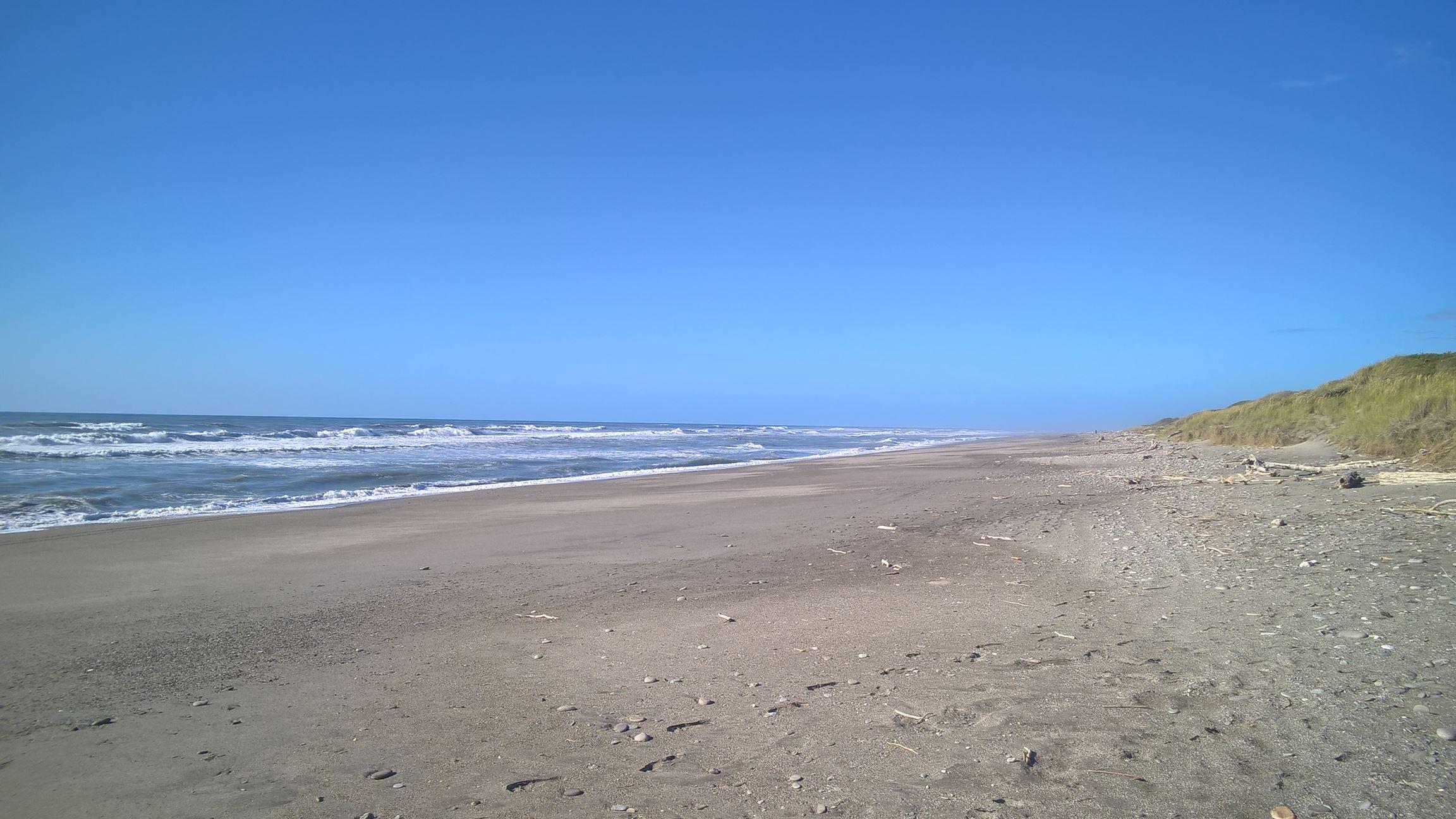 Mal wieder ein endlos langer und verlassener Strand