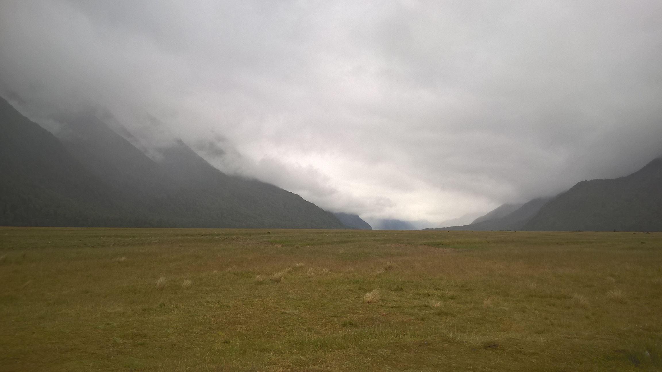 Auf dem Weg nach Milford Sound spielt das Wetter nicht ganz mit