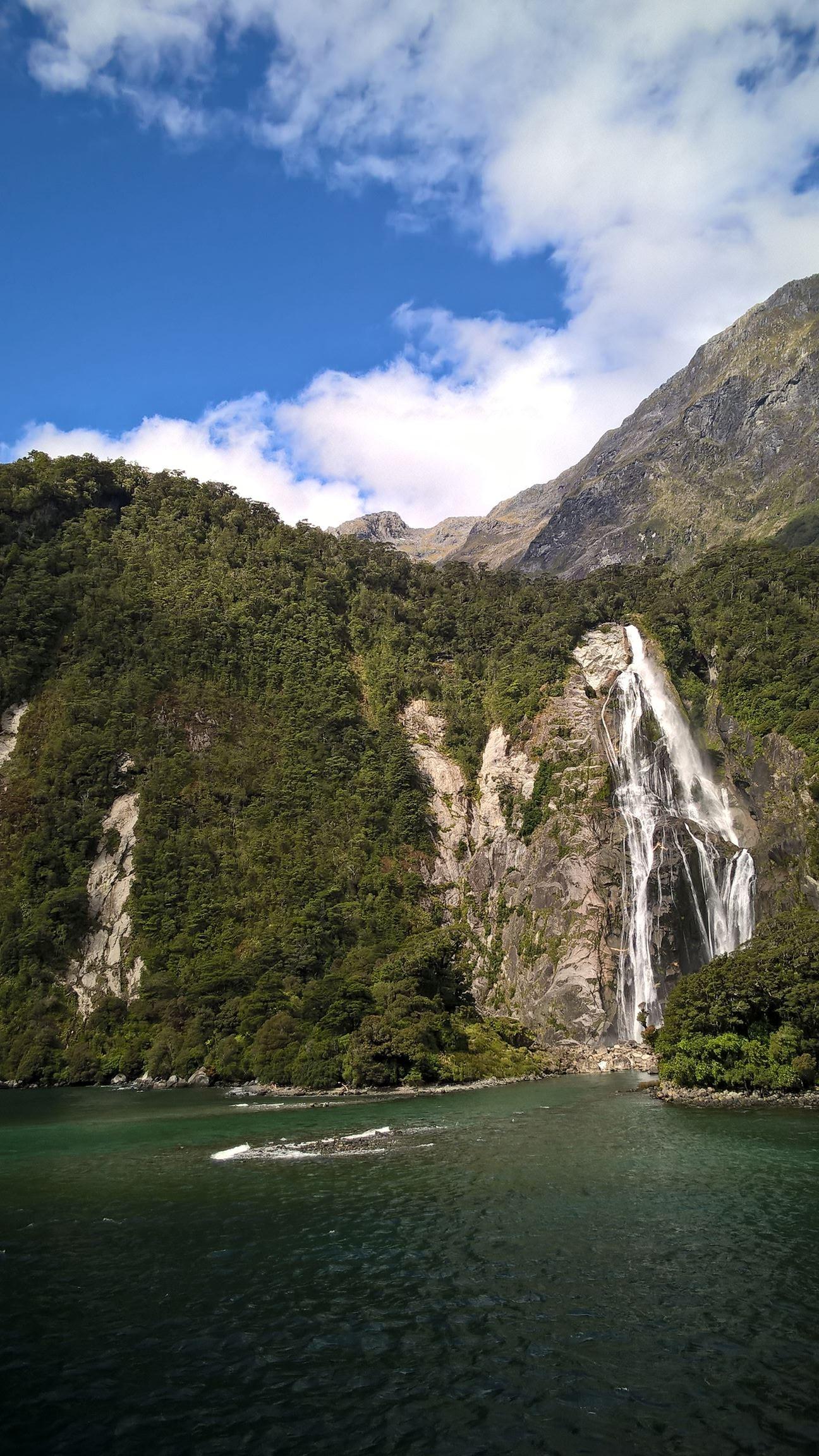 Kurz vor dem Hafen nochmal ein Wasserfall