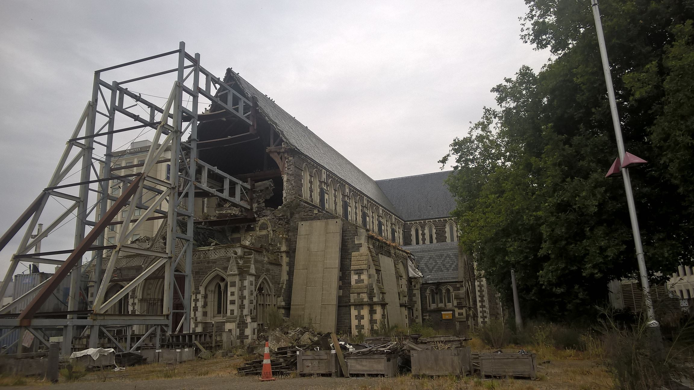 Vieles ist hier noch vom Erdbeben zerstört was man...