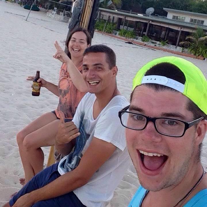 Mit Nolan und Vanessa am Strand