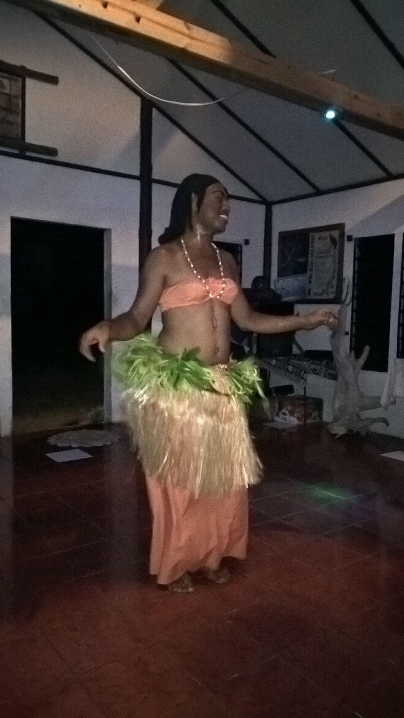Bauchtanz auf Fidschi: Hier wird von diesem Mann uns etwas vorgeführt