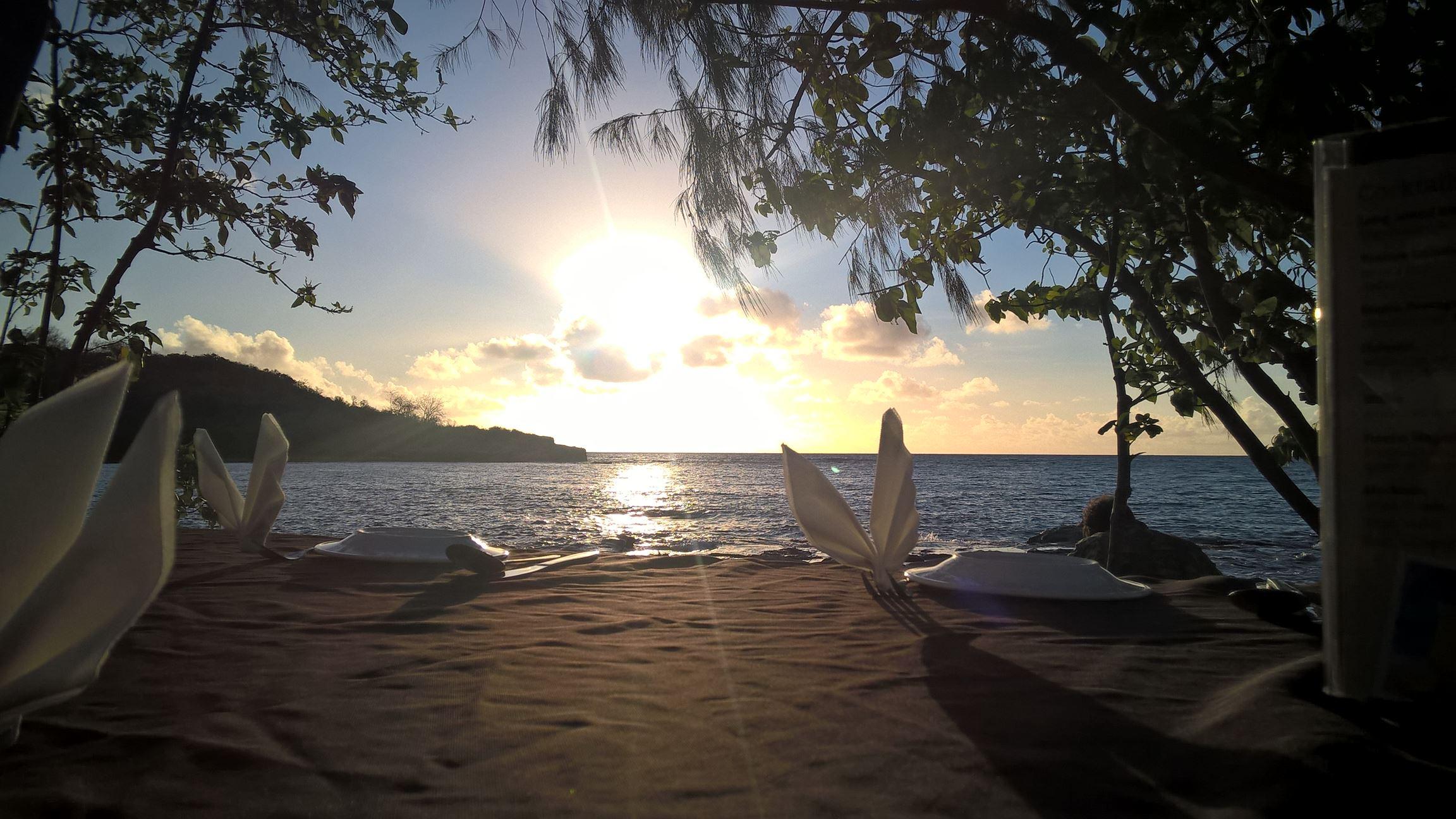 Der Sonnenuntergang von meinem Tisch